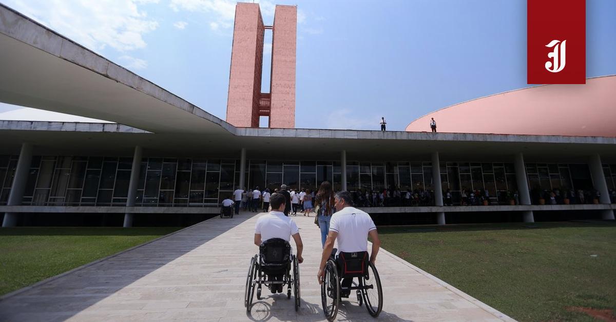 Paulo Guedes e o show de horrores contra a pessoa com deficiência