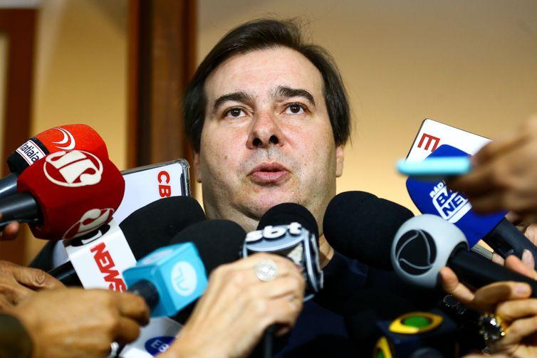 Rodrigo Maia defende aliança entre Ciro, Huck e Doria contra PT e Bolsonaro