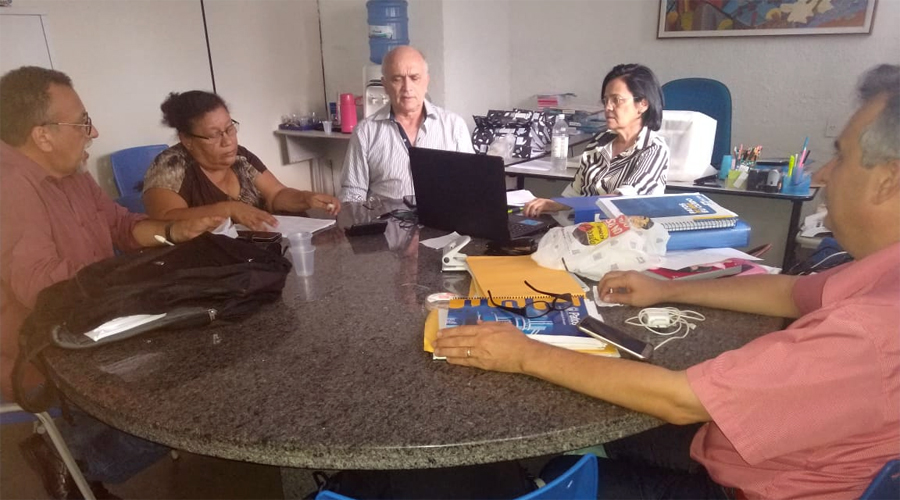 Prefeito Ivanes Lacerda confirma pagamento de 1/3 de férias dos professores de Patos