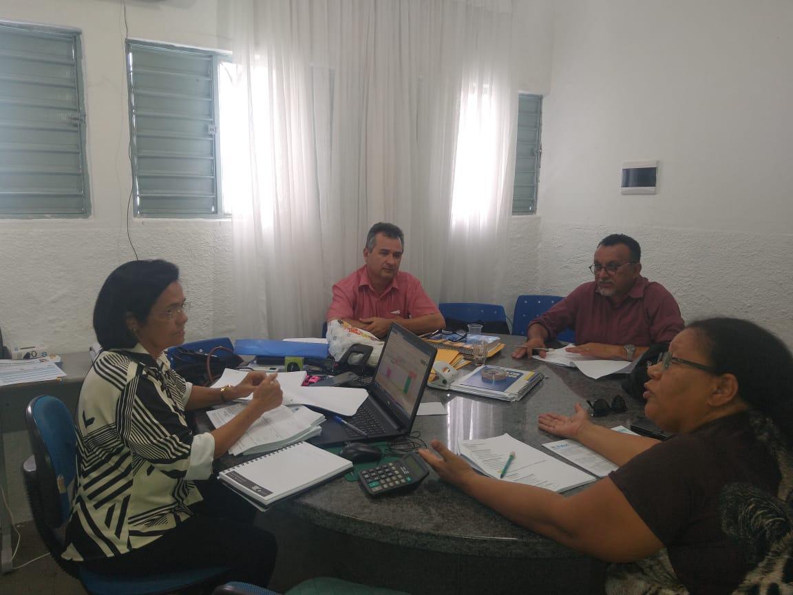 SINFEMP visita escolas e creches e reúne com Secretária de Educação
