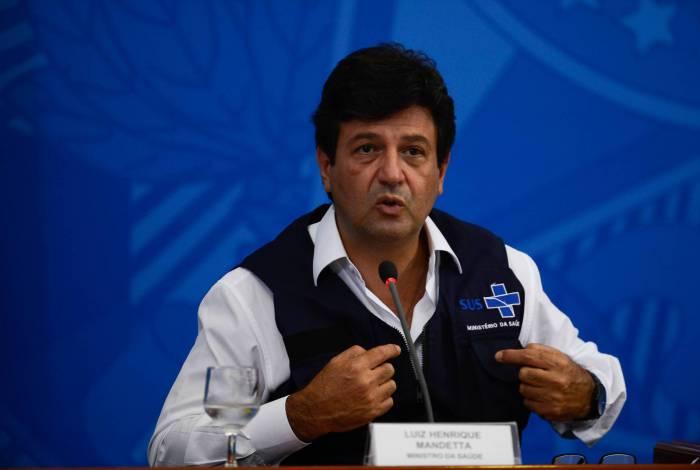 Ministro Mandetta defende diálogo com milicianos e traficantes contra o coronavírus