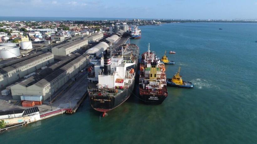 Navio com tripulantes com suspeitas da Covid-19 fica isolado no Porto de Cabedelo
