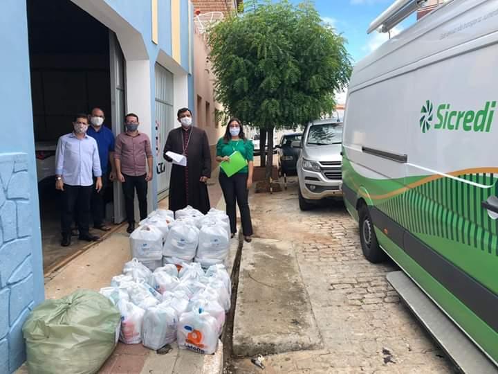 """Projeto Catedral Solidária: """" Ser Solidário é ser humano"""""""