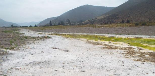 Escolher entre lavar roupa e cozinhar: chilenos contam os efeitos da água privatizada