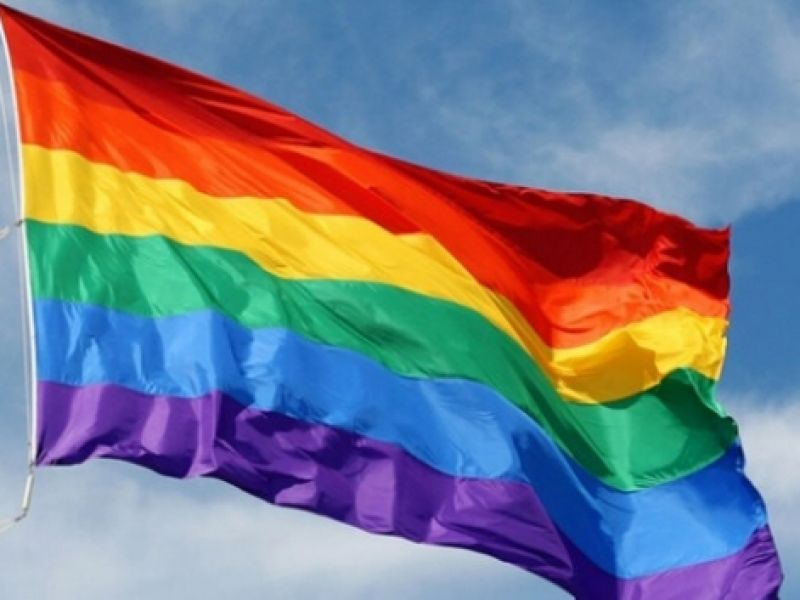 Hoje celebramos o orgulho e a resistência LGBTQI+!