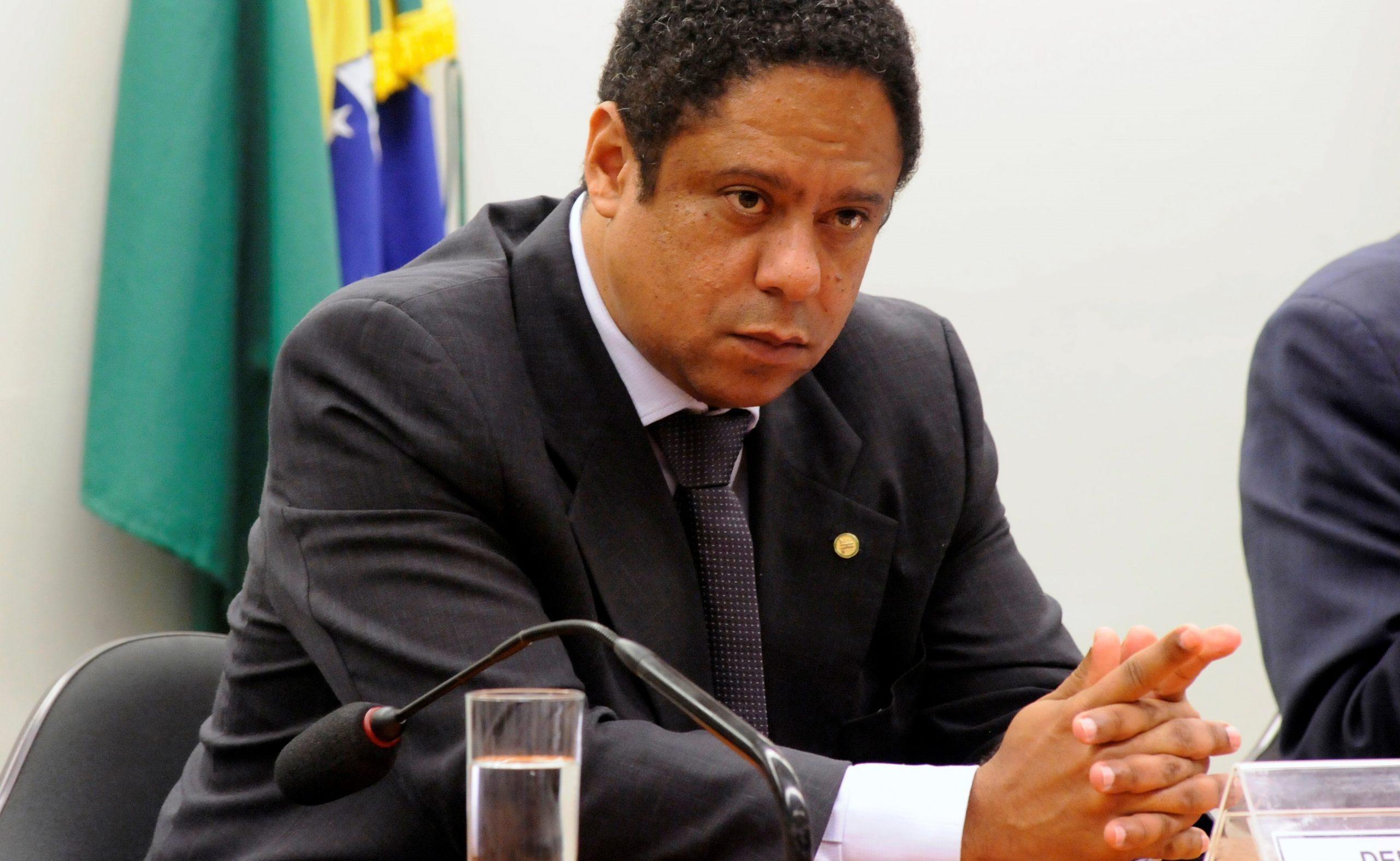 """Veto de Bolsonaro à desoneração é """"grave erro"""", diz Orlando Silva"""