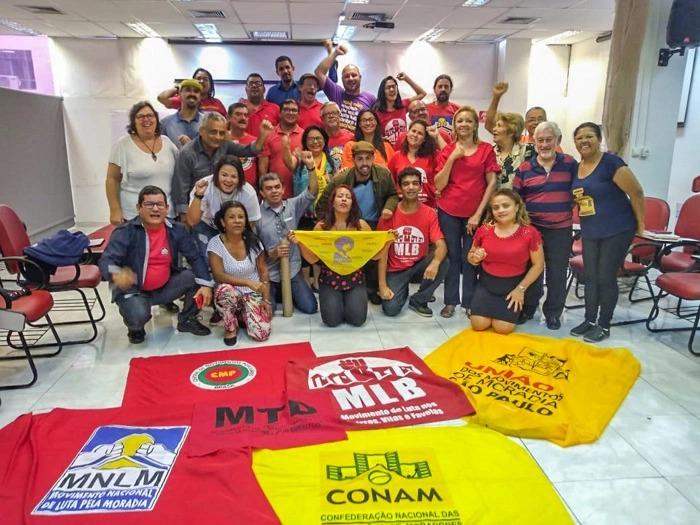 Programa Casa Verde e Amarela nega direito à moradia