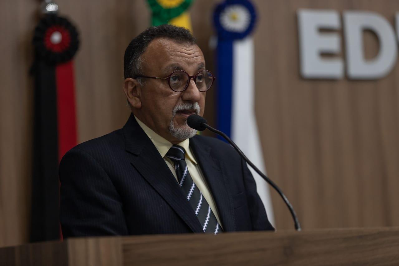 Vereador Zé Gonçalves defende servidores na Câmara Municipal de Patos