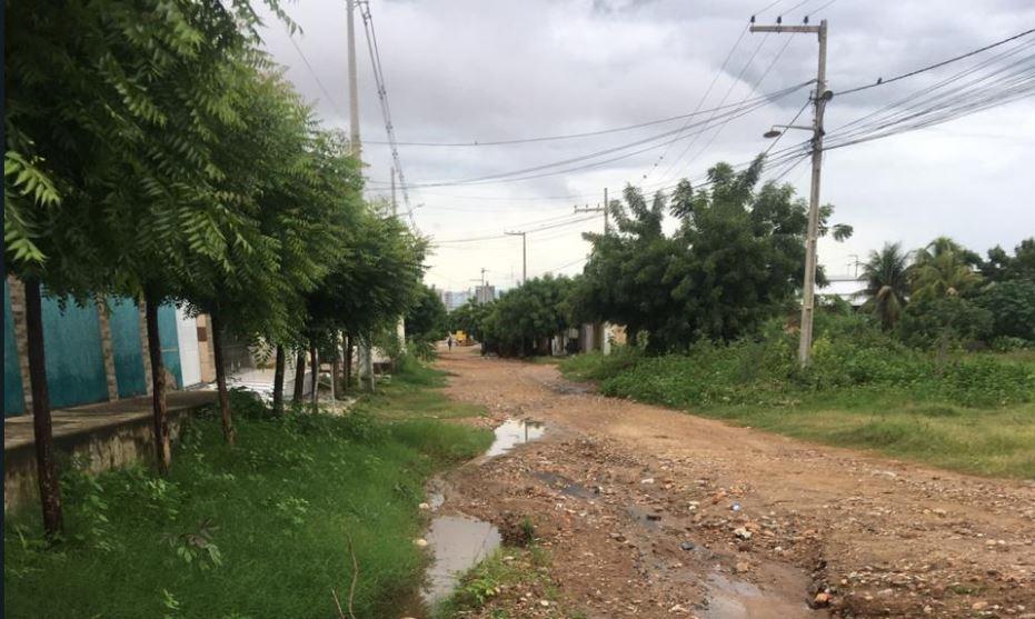 Moradores do Conjunto Noé Trajano clamam por construção de calçamento. Diz vereador Zé Gonçalves