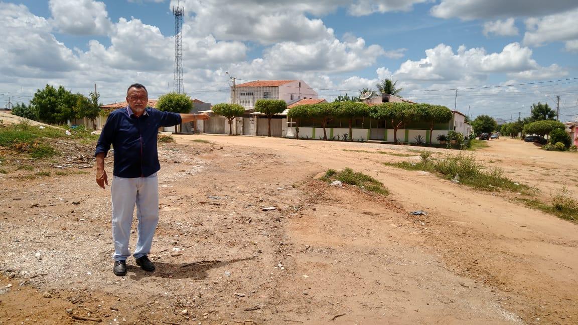 Vereador Zé Gonçalves denuncia lixão no Monte Castelo em Patos