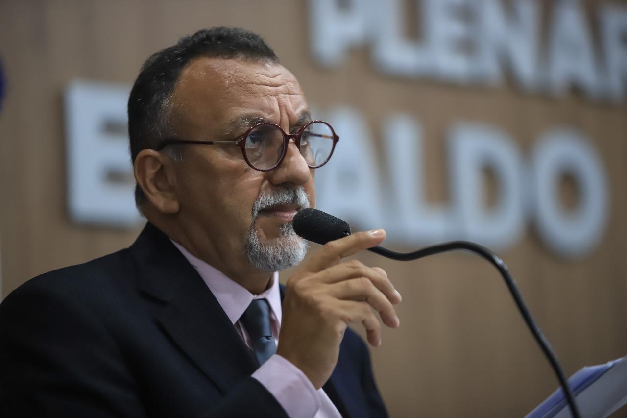 Zé Gonçalves lamenta suspensão de reunião com prefeito e diz que secretários têm que sair dos gabinetes e atender o povo