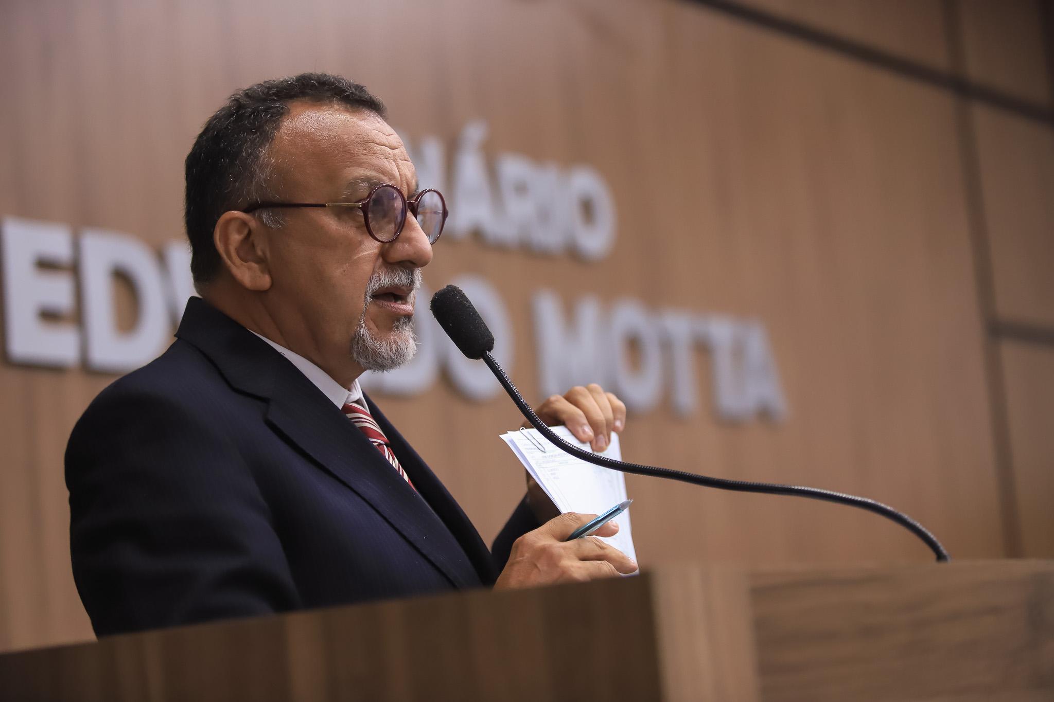 Seis meses de gestão: o que mudou na vida do povo de Patos? Pergunta Zé Gonçalves.