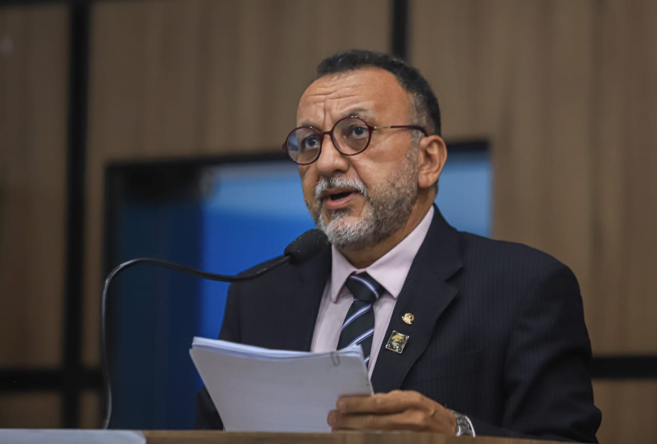 Responsabilidade sobre esgoto a céu aberto não é dos moradores do Nova Brasília e sim da Prefeitura, diz Zé Gonçalves