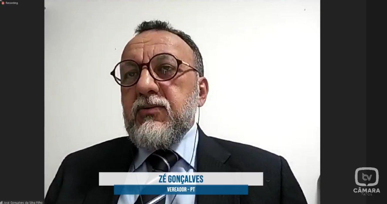 Vereador Zé Gonçalves pergunta se a Prefeitura de Patos só vai cuidar dos animais de rua quando um cachorro matar uma criança