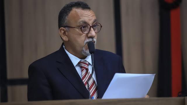 Zé Gonçalves critica serviços nos bairros e diz que Secretaria tem feito 'meia sola'