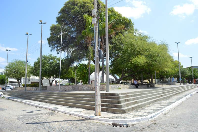 Zé Gonçalves diz que só políticas públicas resolverão problemas nas praças de Patos