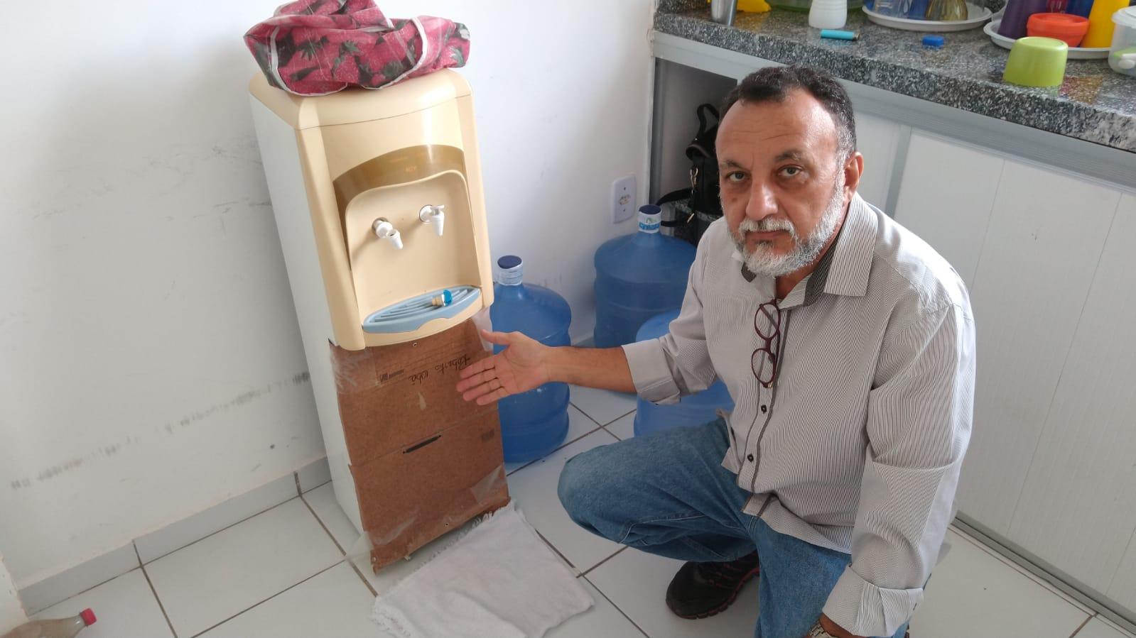 UBS do São Sebastião está sem água para servidores e usuários e Zé Gonçalves denuncia  situação precária