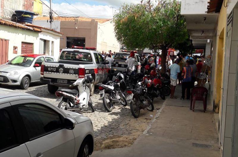 Tiroteio deixa três pessoas feridas no centro de Piancó