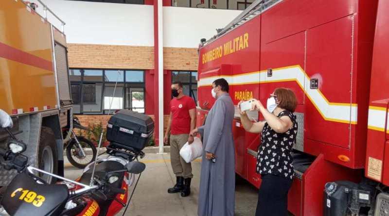 Bispo Diocesano faz doação de máscaras ao Corpo de Bombeiros de Patos