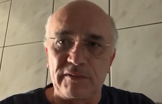 ODORICO DO SERTÃO (vídeos) Prefeito que mandou higienizar ruas com vassouras agora diz que o povo deve vender os celulares para não pegar coronavírus
