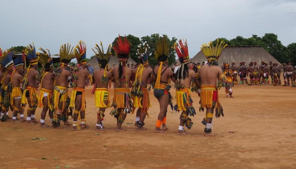 Bolsonaro sanciona, com vetos, projeto que prevê medidas para tentar proteger indígenas