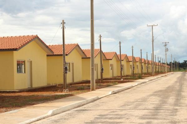 Governo Bolsonaro destrói acesso da família baixa renda à moradia