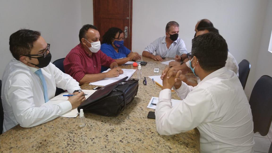 Vereador Zé Gonçalves participa de audiência com o prefeito Nabor e sindicatos