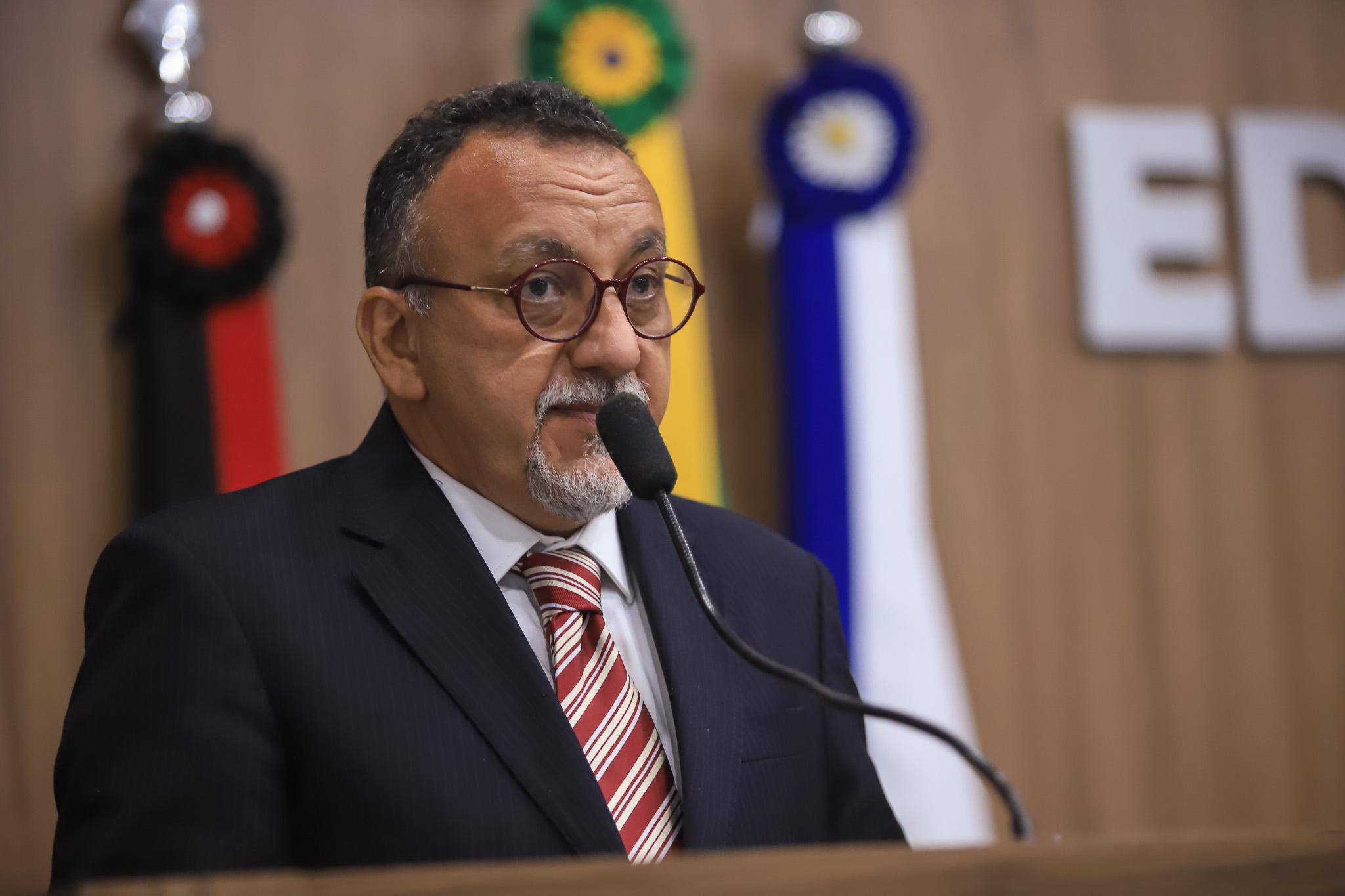 Secretaria de Educação de Patos não respeita decreto: afirma o vereador Zé Gonçalves