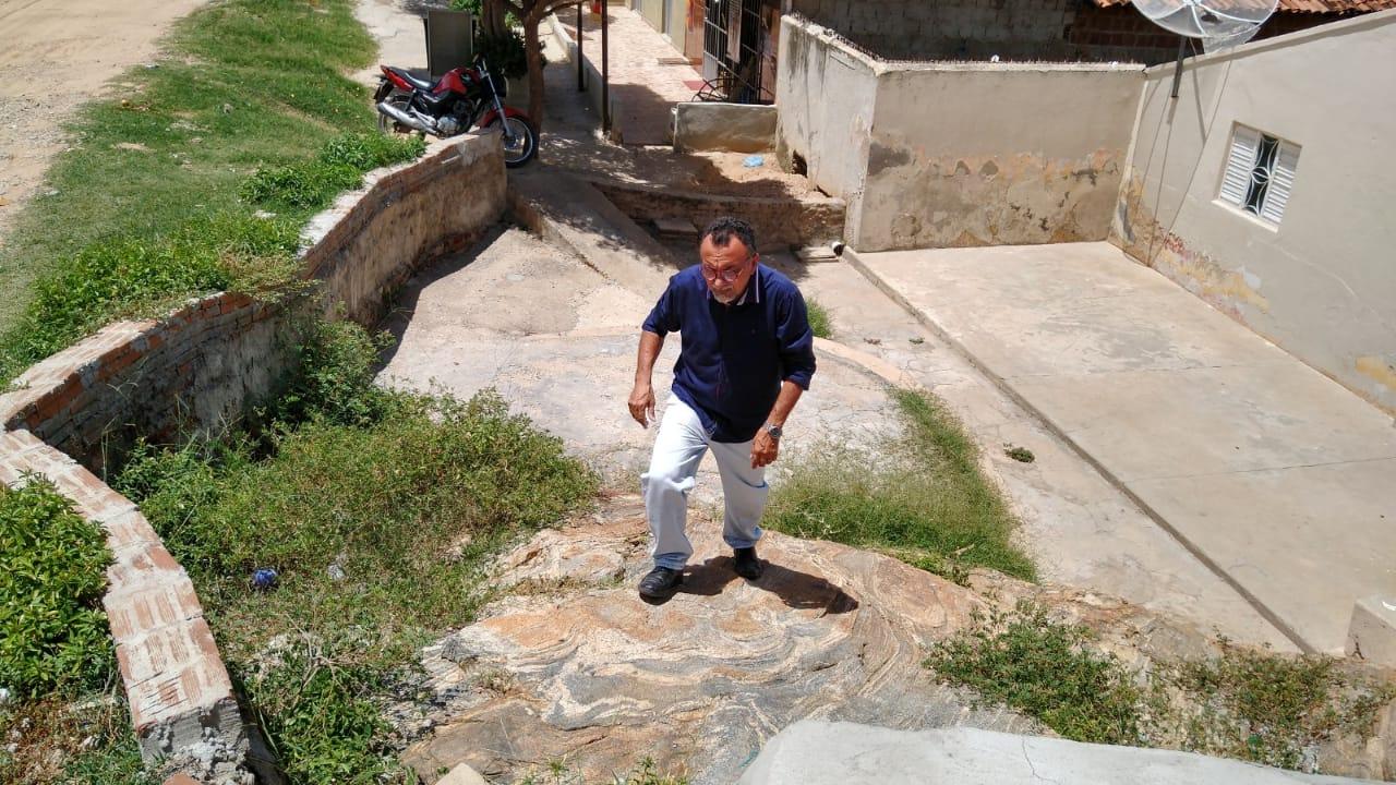 Vila Teimosa historicamente abandonada. Diz vereador Zé Gonçalves