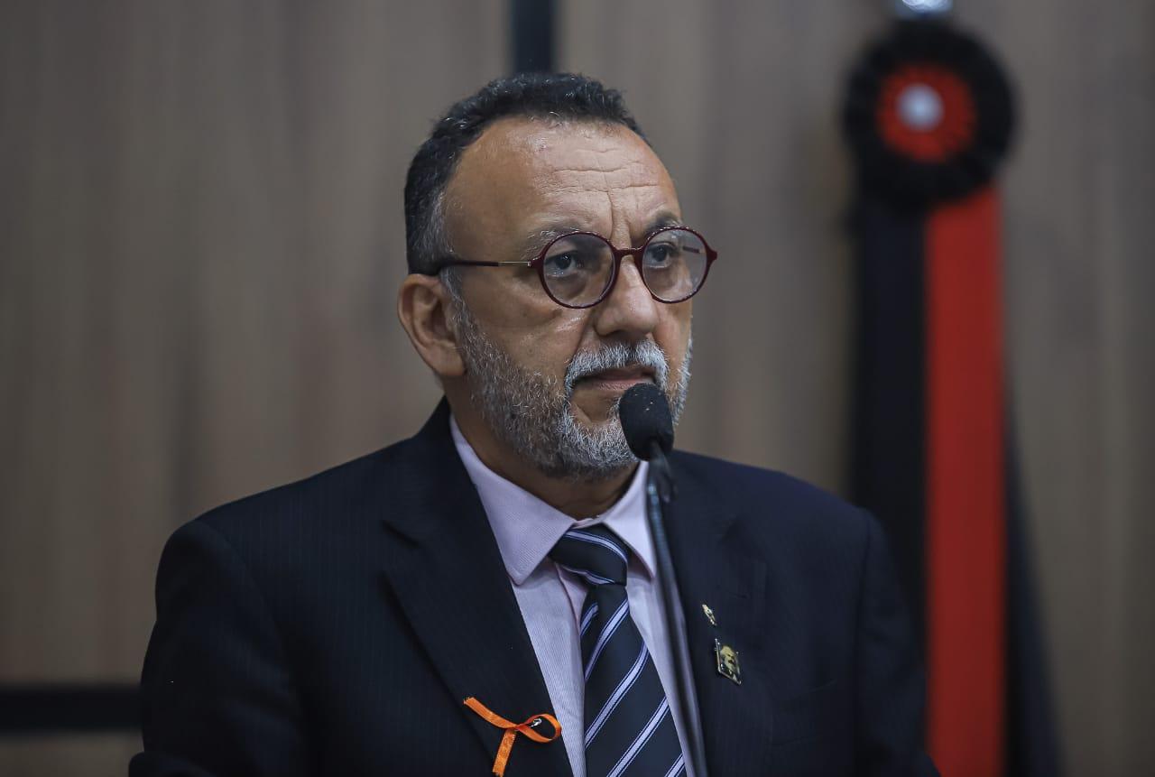 Zé Gonçalves chama de desrespeitosa e criminosa a nota da gestão que joga o povo contra vereadores