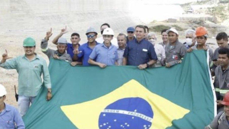 Com público abaixo do esperado, evento frustra bolsonaristas e vendedores ambulantes em Pau dos Ferros RN