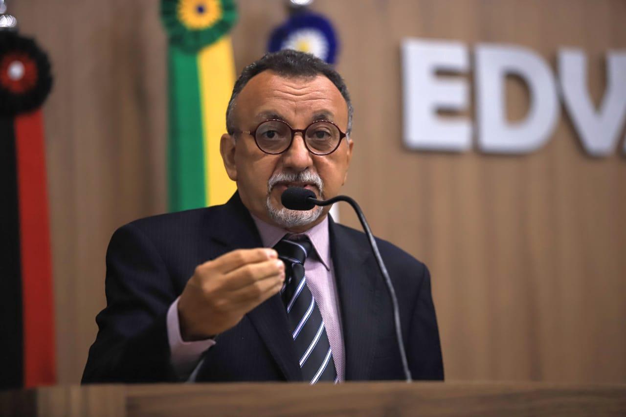 Zé Gonçalves quer alternativas para melhorar o atendimento aos pacientes de Covid-19 em Patos