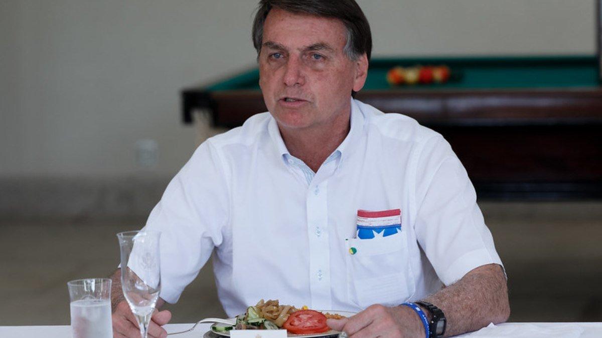 Cozinheiro é preso por reclamar de ter de cozinhar para Bolsonaro