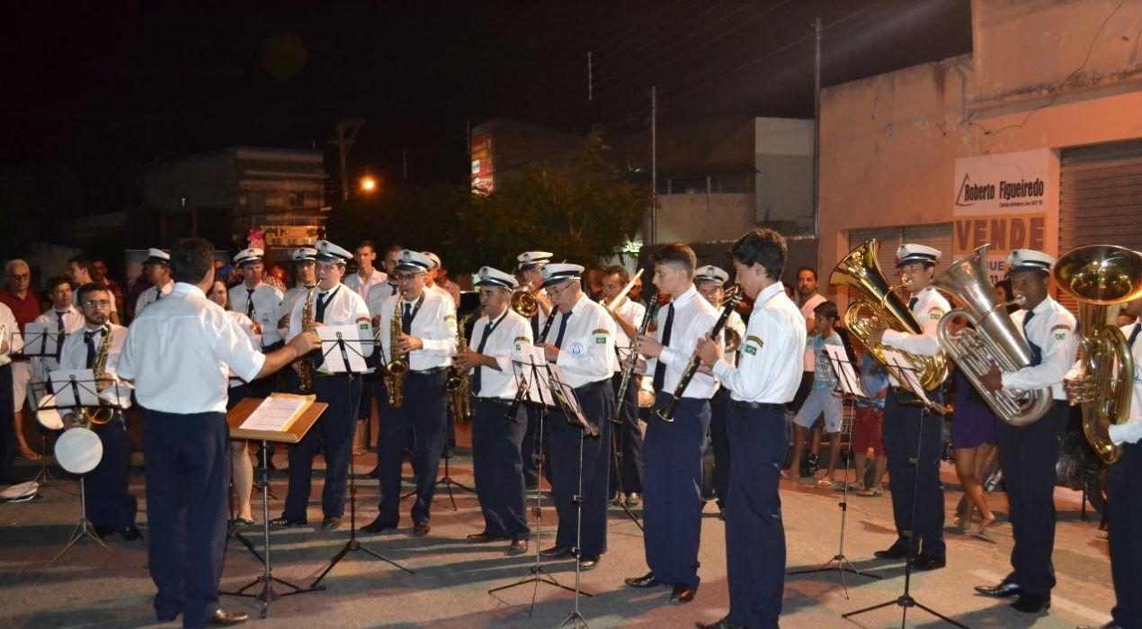Zé Gonçalves apresenta votos de aplauso a Filarmônica 26 de Julho em Patos